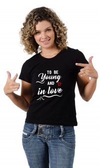 Camiseta Young and in love