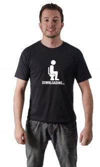 Camiseta Downloading